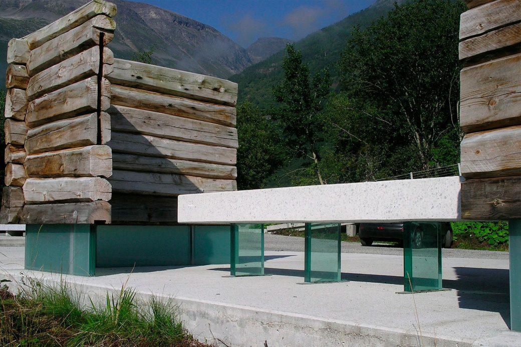 Uso del vidrio en el mobiliario urbano